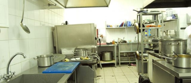 4 Reasons Why You Should Consider Using Catering Equipment